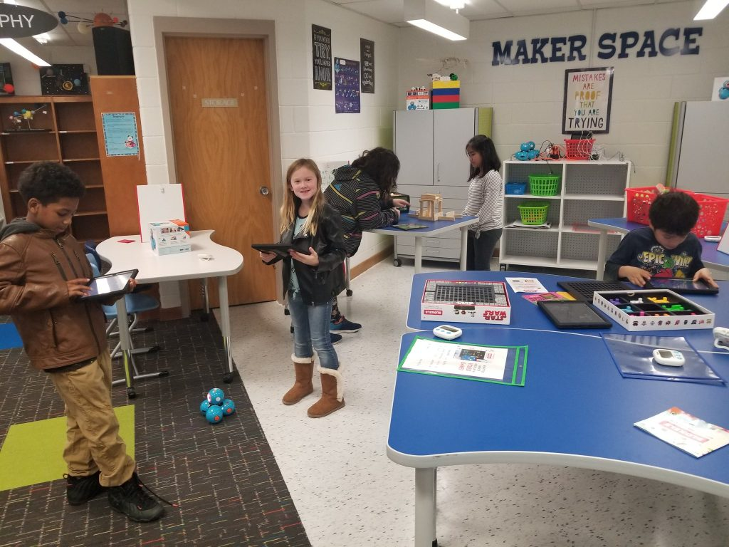 Glenwood Elementary School students use a makerspace to practic simple machine skills.