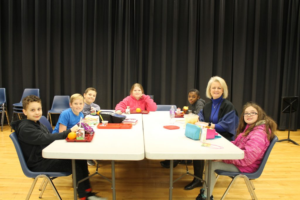 Dr. Melanie Hamblin, principal of Windsor Woods Elementary School, enjoyed a working lunch with her Student Advisory Council.