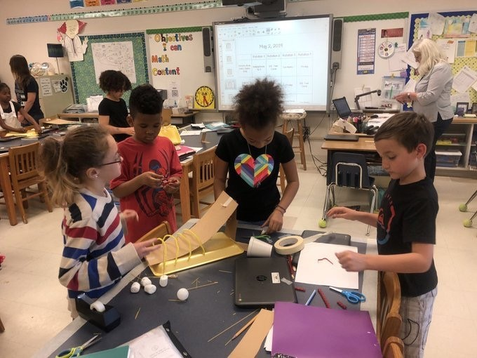 Third graders at Linkhorn Park Elementary School completed STEM projects using the 5C's during their Ancient Rome unit. They collaborated to make Roman aqueducts and then tested their creations.
